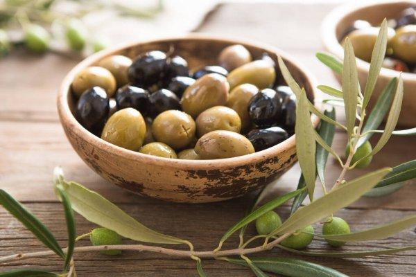 Различные виды оливок